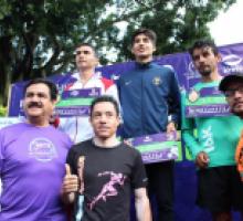 Fotografía con algunos ganadores Rama Varonil